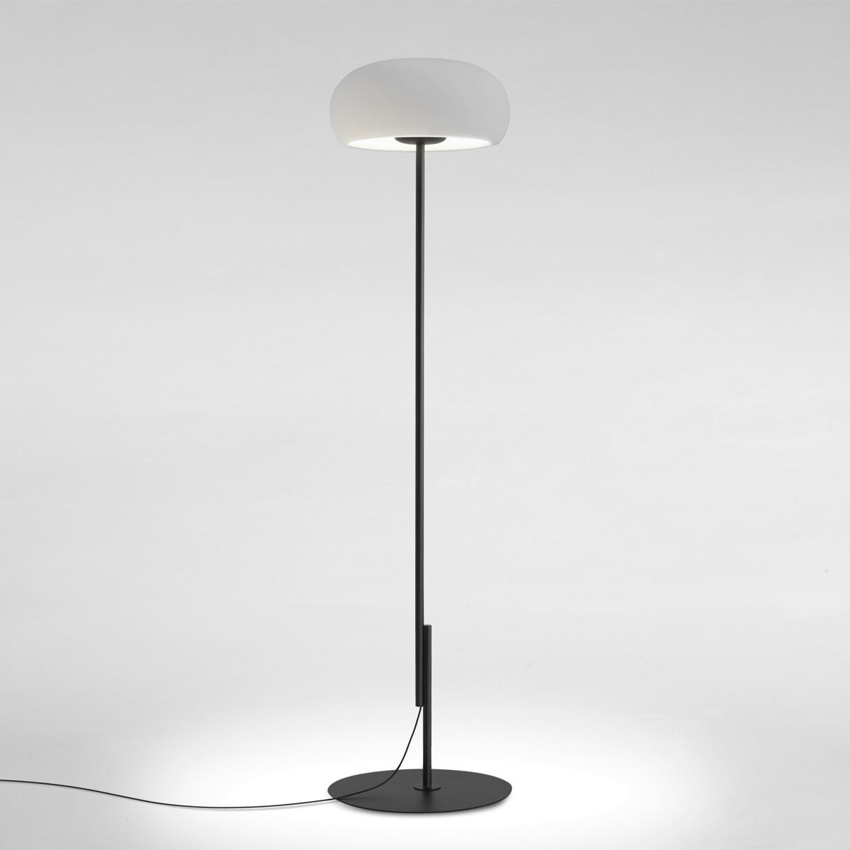 Marset Vetra P LED Stehleuchte, schwarz