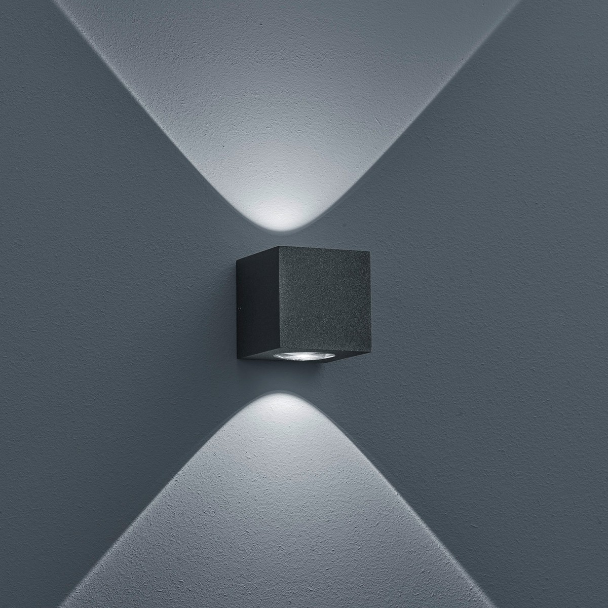Helestra Peka LED Außenwandleuchte, graphit
