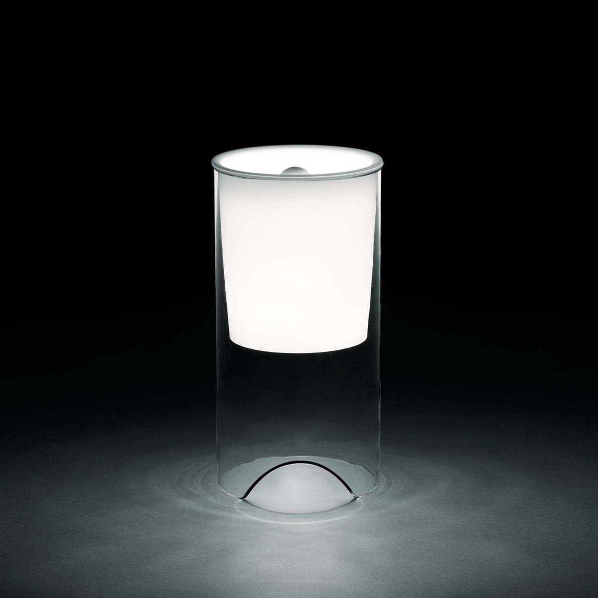 Flos Aoy Tischleuchte, Kristallglas / Opal
