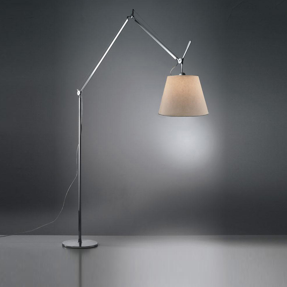 artemide tolomeo mega terra led mit touchdimmer. Black Bedroom Furniture Sets. Home Design Ideas