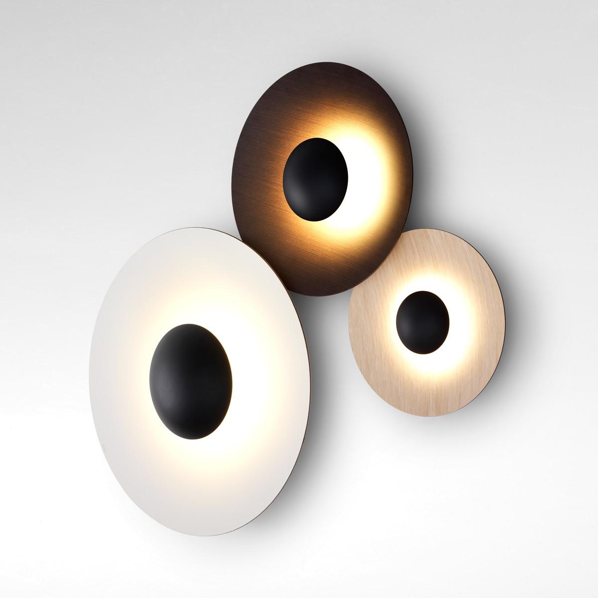 Marset Ginger C3 LED Wand- / Deckenleuchte, Eiche / Wenge / Rückseite: Eiche, Front: weiß