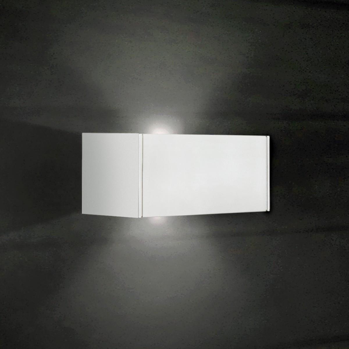 Milan T-LED Wandleuchte, 2-flg., weiß lackiert