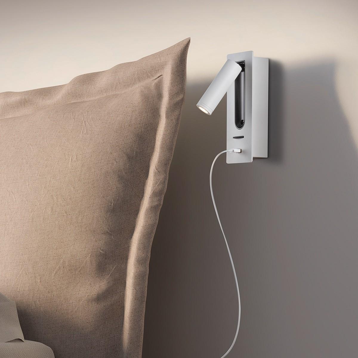 Helestra Orso Wandleuchte mit USB-Ladeport, weiß matt