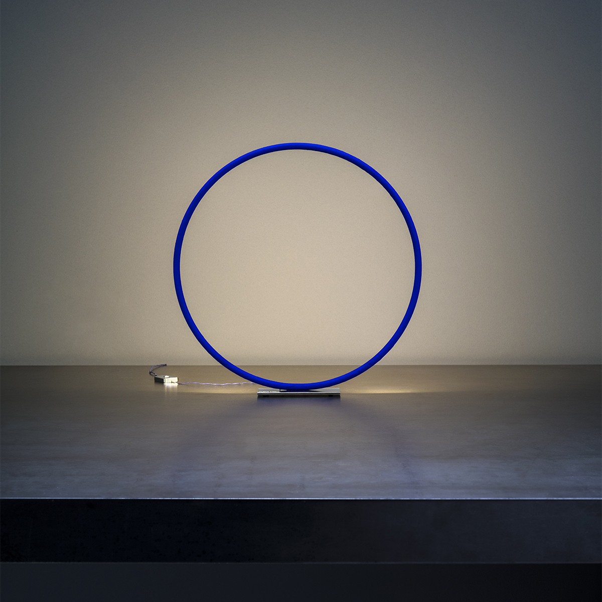 Catellani & Smith Sorry Giotto 1 Tischleuchte, Ø: 30 cm, blau