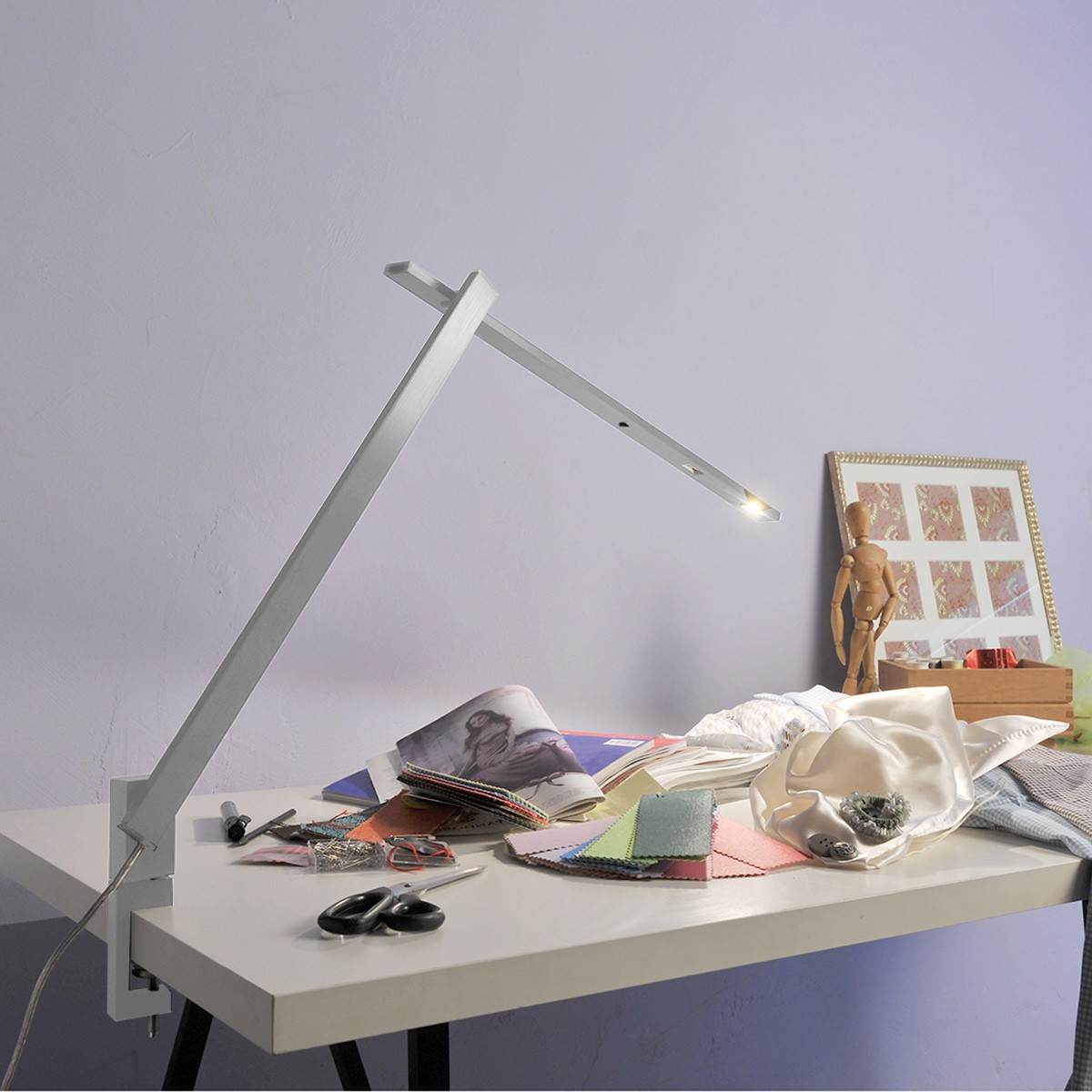 Byok Nastrino Tischleuchte mit Klemme, Aluminium matt
