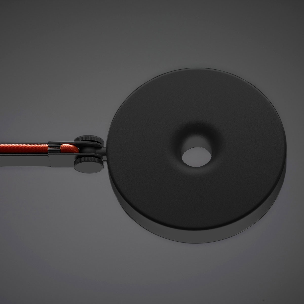 Rotaliana String XL Stehleuchte, Leuchte: schwarz matt, Verstellband: orange