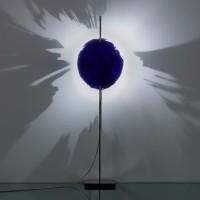 PostKrisi Tischleuchte, Ø: 20 cm, Höhe: 65 cm, Schirm: blau, Gestell: Nickel