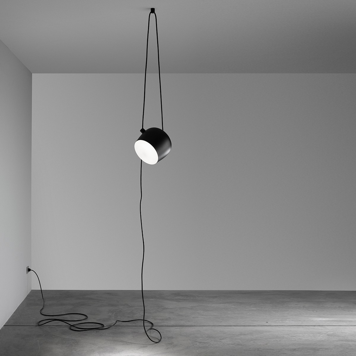 Flos Aim Cable + Plug Pendelleuchte, Ø: 24,3 cm, schwarz