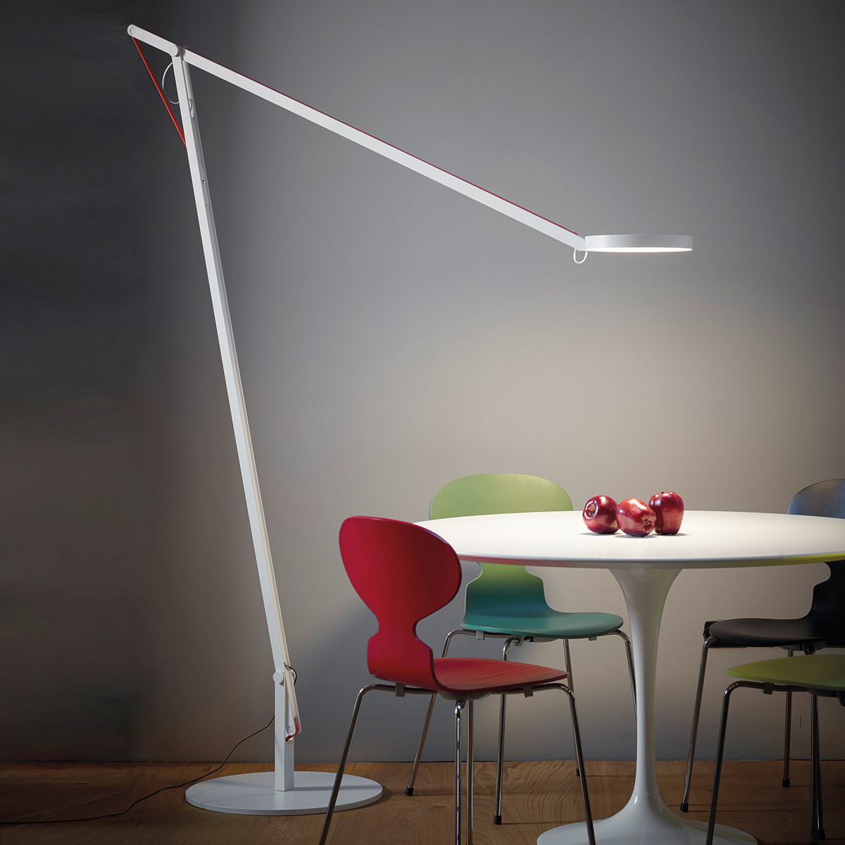 rotaliana string xl stehleuchte. Black Bedroom Furniture Sets. Home Design Ideas