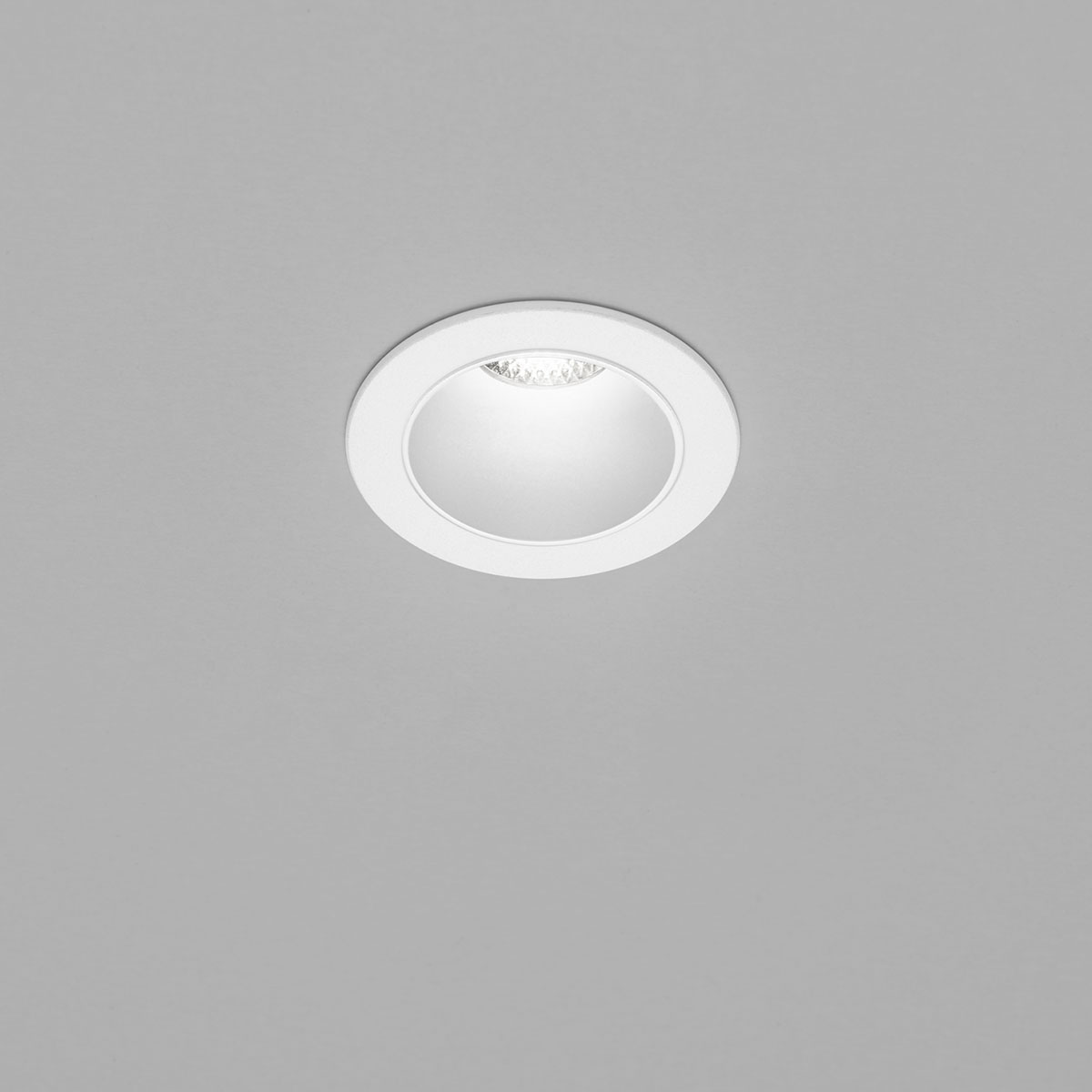 Helestra Pic LED Deckeneinbaustrahler, rund, weiß