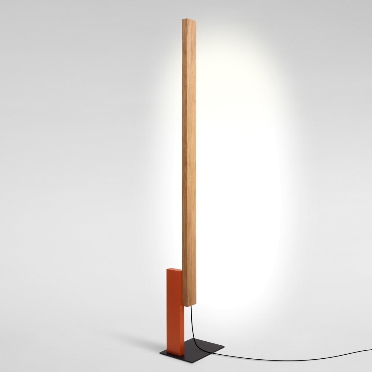 Marset High Line LED Stehleuchte, Eiche / orangerot